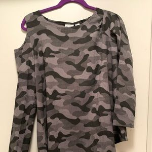 Women w/Control Cold Shoulder Camo Print Top Sz-L